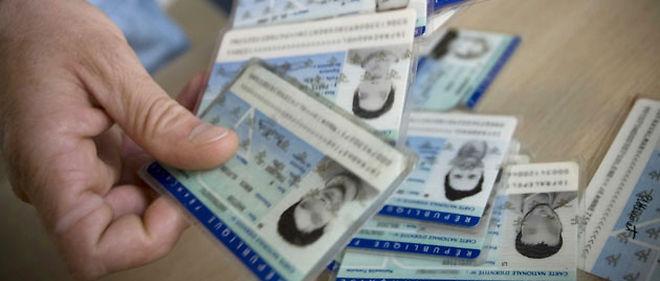 138100-identitepapiers-une-jpg_47305_660x281