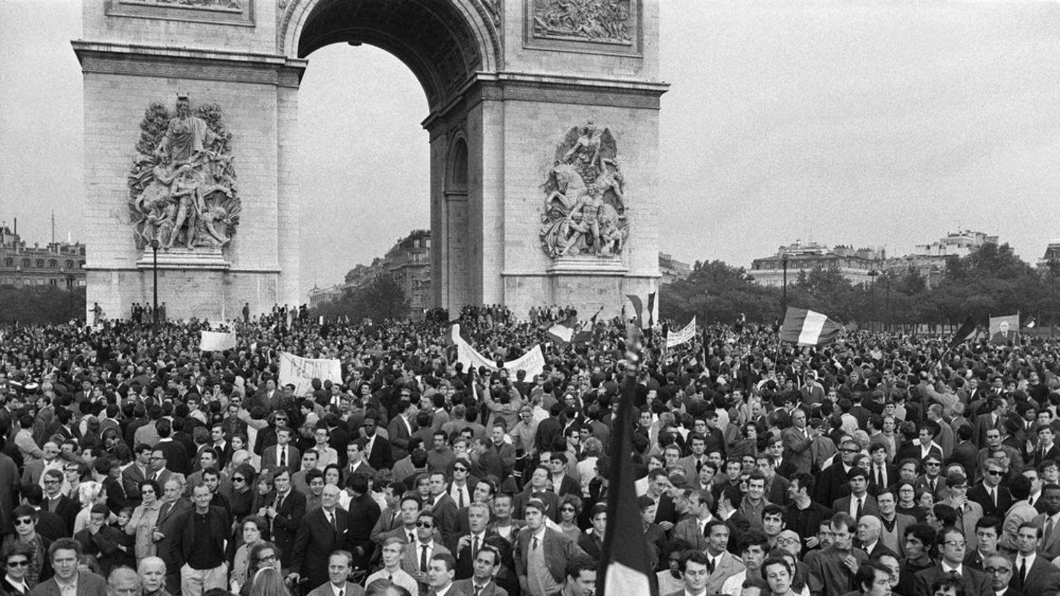 manifestation-de-gaulle-30-mai-1968_1148050
