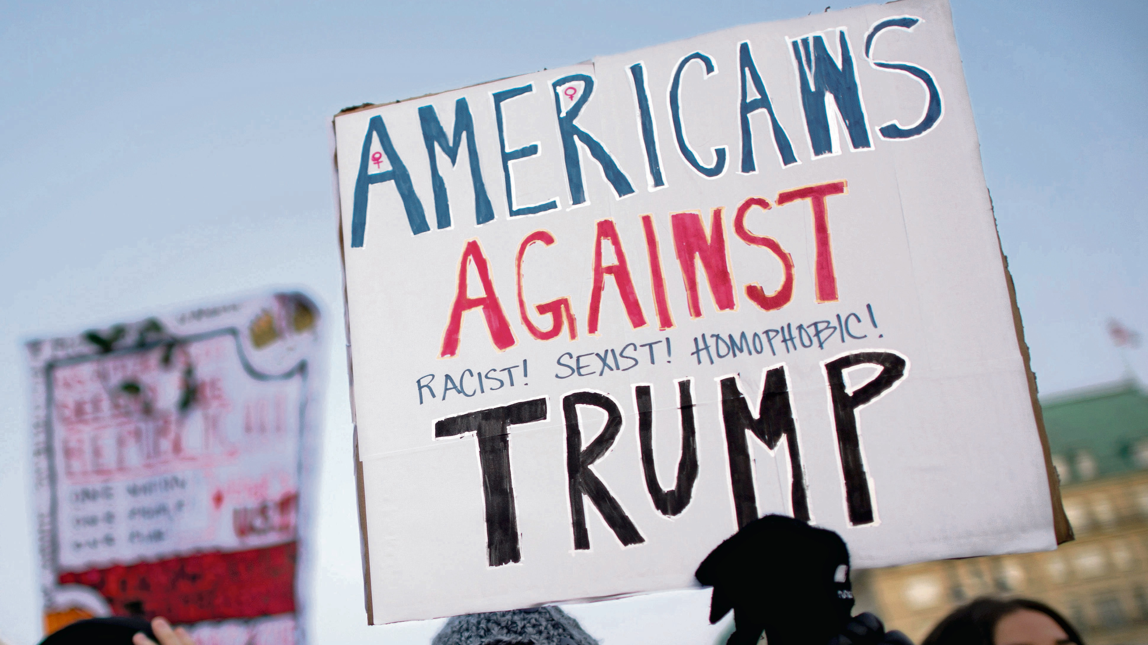 De nombreux américains ont manifesté à Washington contre D.Trump